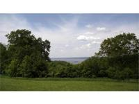 Stunning Mississippi Riverview acreage high atop the