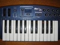This is a working M-Audio MID AIR 25 Midi Controller