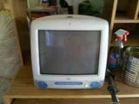 im selling my old mac computer. comes with everything u