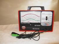 MAC Tach Dwell Volt Meter, in like new condition With
