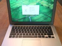 I'm selling this because I upgraded. OSX Yosemite Mid