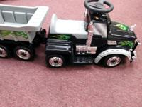 Mack semi trailer truck with towing container ride-on