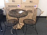 MADISON SET OG 2 CHEARIS WITH A SMALL TABLE OUT DOOR