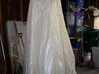 Maggie Sottero Couture Wedding Gown $50 call or text