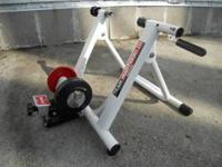Minoura MagTurbo III bicycle trainer. Has resistance
