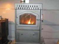 Reconditioned Magnum Baby Country Side pellet stove, w/