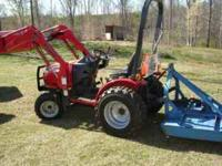 2008 Mahindra 2415 4x4 Tractor with Front End Loader.