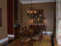 Beautiful Mahogany Dining Room Table with eight