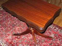 Duncan Phyfe Mahogany Twist Top table. The leading
