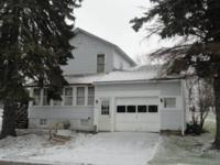 Single Family House For Sale. 3 Bedrooms, 1 Bath, 1/4