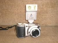 NOW VINTAGE USE TO BE TOP OF THE LINE DIGITAL CAMERA BY