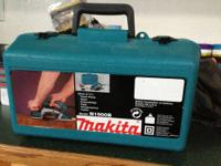 Up for sale is a like new Makita model N1900B electric
