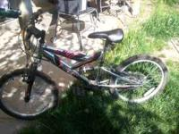 LIKE BRAND NEW BOYS 6speed dual supension , 20inch