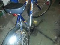 Blue 15 speed Male Huffy Blackwater mountain bike in
