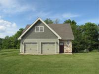 Spotless fully custom cabin on 65 acres in Southern
