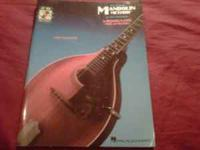 Mandolin for beginning players. Music and tablature!