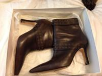 Gorgeous Manolo Blahnik Critany Brown Leather Womans