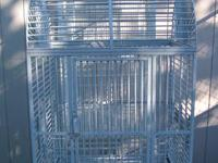 Grey Parrot cage 25 x 20 x 30 total hgt with wheels 5