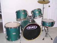 5 piece Mapex V-SERIES drumset for sale. Perfect set
