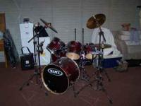 7 pc. Mapex drum kit - 3 mounted toms - 2 floor toms -