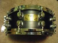 LIKE NEW MAPEX BLACK PANTHER MAPLE DELUXE SNARE DRUM 14