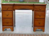 Beautiful vintage maple student desk with nice details.