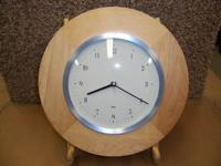 This is a very nice wall clock, with quartz movement