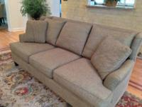 Very good quality couch and chair set. Good condition,