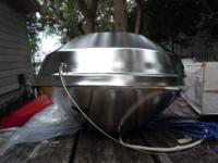 "14"" Marine kettle for charcoal is crafted of 100%"