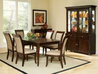 This Marseille dining room set comes with the table,