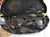 Martin, Cougar III --- Compound Bow. It's complete and