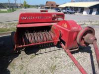 Nice (field ready) Massey Ferguson 3 baler Comes with