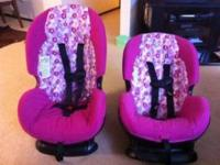 2 Matching girl carseats in really good condition,
