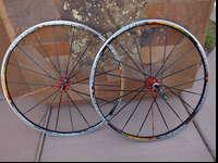 Mavic Ksyrium ES 700c aluminum clincher wheelset.