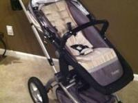 Maxi Cosi Foray Travel Stroller System with Car Seat