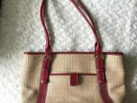 Wicker bag with leather trim. Middle compartment