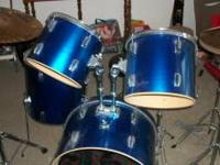 For sale !!! Blue 5 piece Maxx SP series drum set ...