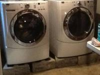 Maytag 4000 series. Matching pair of white front