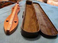 Mc SPADDEN MOUNTAIN DULCIMER, HOURGLASS W/SCROLL HEAD,