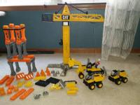 Set to create different construction vehicles and