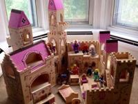 Melissa & Doug middle ages castle playhouse features