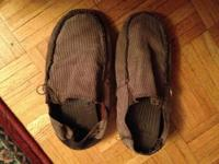 this a nice gift, men's slippers, brown in the box. I