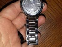 Selling a men's Relic watch that just needs new
