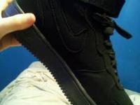 Brand new never worn size 9.5 Mens Nike Air Force 1