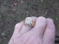 Lovely 7 diamond, nugget design band, 14 kt, half carat
