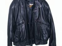 Leather Harley Davidson coat with lining. Coat is in