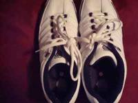 I have a pair of mens K-SWISS mens size 12. They have