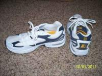 1 pair of mens Starter tennis shoes size 10. Worn once