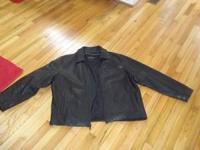 I am selling a black wilson leather jacket black/xl its