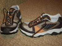 *** Mens Brown CHAMPION Trail Shoes - Dimension: 5 -